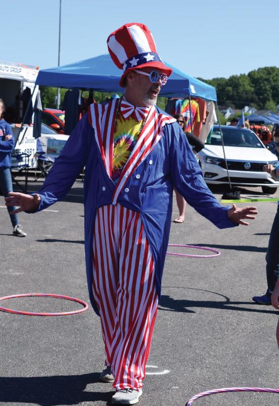 man dressed as patriotic caricature having fun at Bug-a-Palüza